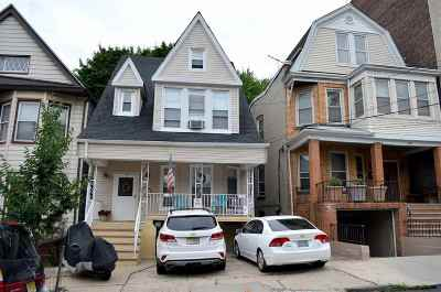 Jersey City Single Family Home For Sale: 212 Jewett Ave