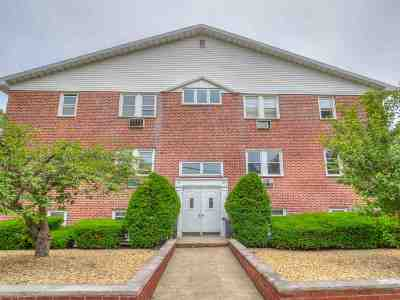 Bayonne Condo/Townhouse For Sale: 33 West 32nd St #A4
