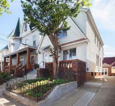 Jersey City Single Family Home For Sale: 91 Lembeck Ave