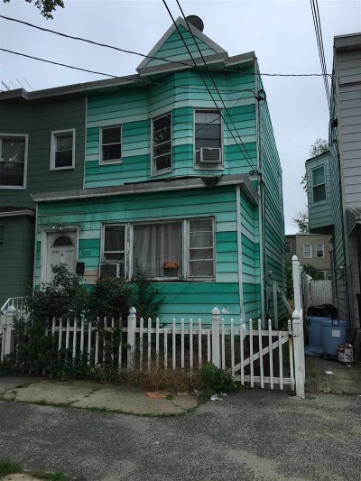 Jersey City Single Family Home For Sale: 157 Boyd Ave