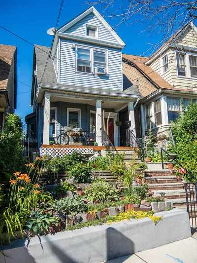 Jersey City Single Family Home For Sale: 156 Beach St