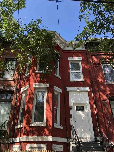 Jersey City Single Family Home For Sale: 100 Jewett Ave