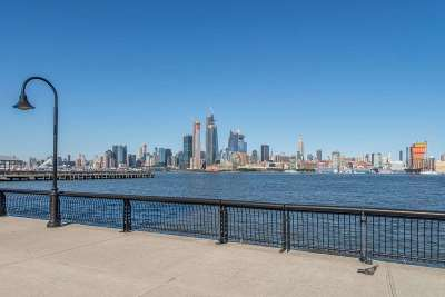 Hoboken Condo/Townhouse For Sale: 1125 Maxwell Lane #731
