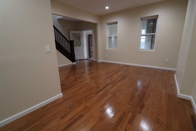 North Bergen Single Family Home For Sale: 7429 Durham Ave