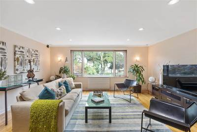 West New York Single Family Home For Sale: 5505 Blvd East