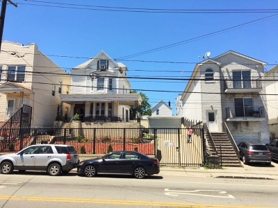 Jersey City Single Family Home For Sale: 727 Garfield Ave