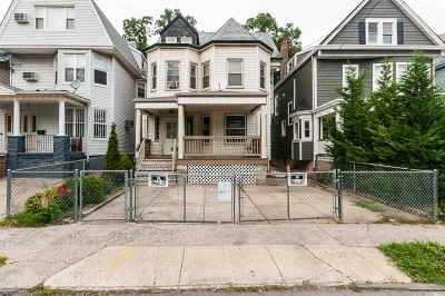 Jersey City Single Family Home For Sale: 140 Jewett Ave