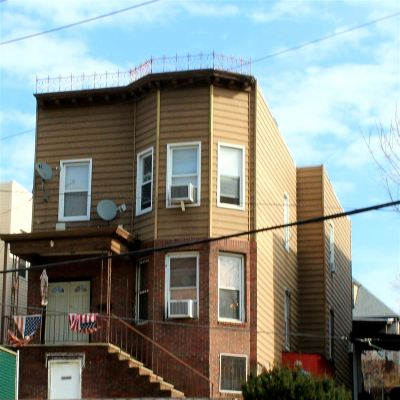 Weehawken Multi Family Home For Sale: 3322 Park Ave