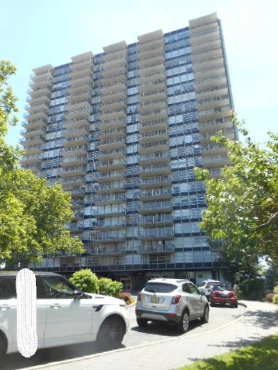 West New York Condo/Townhouse For Sale: 6050 Blvd East #7E