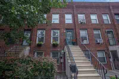 Jersey City Single Family Home For Sale: 222 Grand St