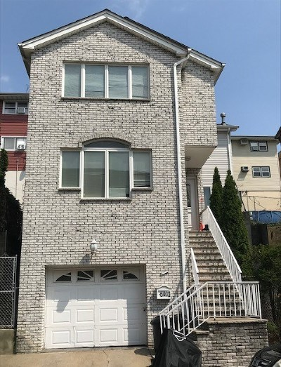 North Bergen Single Family Home For Sale: 6402 Liberty Ave