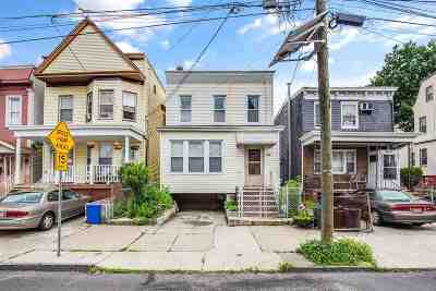 Jersey City Single Family Home For Sale: 83 Pearsall Ave
