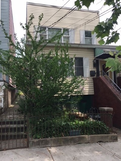Jersey City Single Family Home For Sale: 64 Charles St
