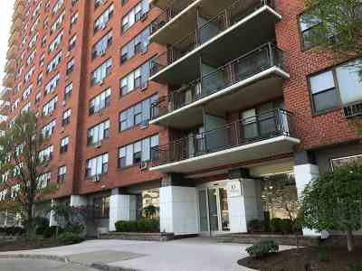 Union City Condo/Townhouse For Sale: 500 Central Ave #212