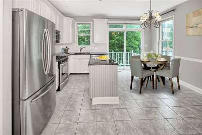 West New York Condo/Townhouse For Sale: 482 Fulton Ct
