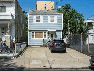 Jersey City Single Family Home For Sale: 116 Winfield Ave