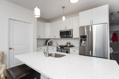Jersey City Condo/Townhouse For Sale: 850 Newark Ave #3B