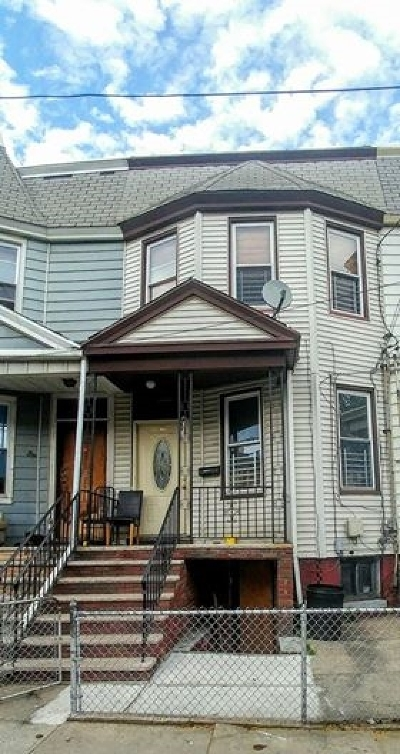 Jersey City Single Family Home For Sale: 30 Bartholdi Ave