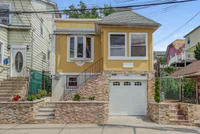 North Bergen Single Family Home For Sale: 4608 Meadowview Ave