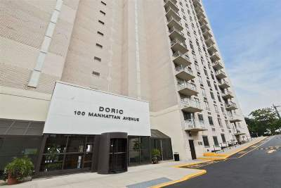 Union City Condo/Townhouse For Sale: 100 Manhattan Ave #2212