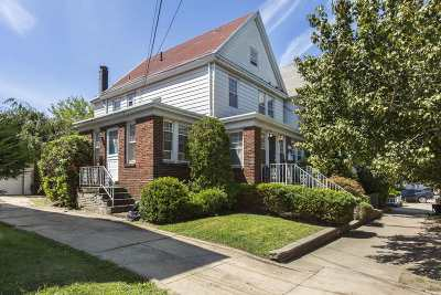 Bayonne Single Family Home For Sale: 90 West 45th St