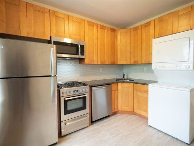 Jersey City NJ Condo/Townhouse For Sale: $378,000