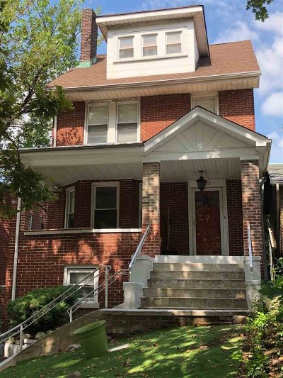 Weehawken Single Family Home For Sale: 691 Blvd East