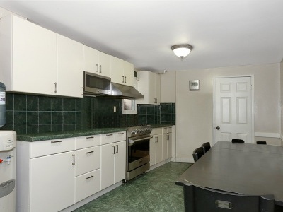 North Bergen Single Family Home For Sale: 6714 Newkirk Ave