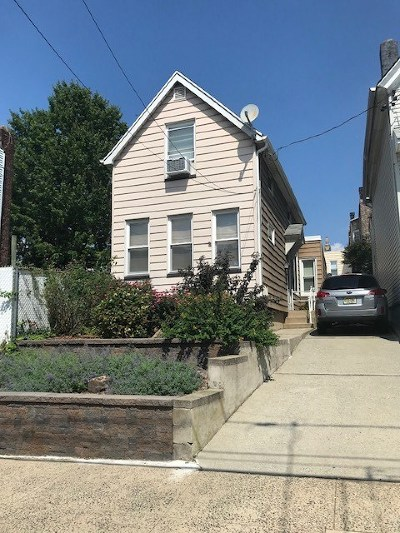 Jersey City Single Family Home For Sale: 68 Lake St