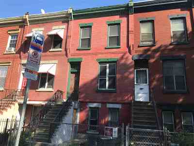 Jersey City Single Family Home For Sale: 812 Ocean Ave