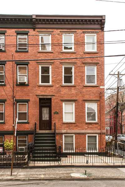 Jersey City Single Family Home For Sale: 136 Erie St