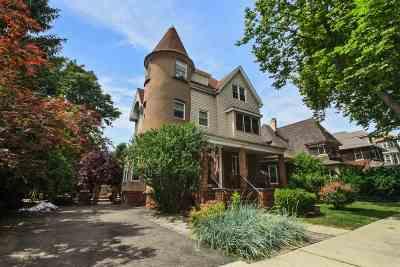 Weehawken Multi Family Home For Sale: 37 Bonn Pl