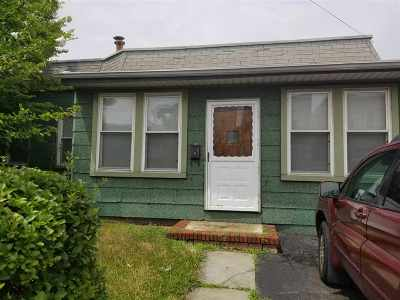 Jersey City Single Family Home For Sale: 121 Fowler Ave