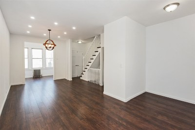 Bayonne Single Family Home For Sale: 48 East 28th St
