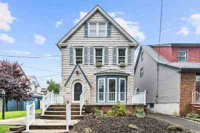 Bayonne Single Family Home For Sale: 123 West 38th St