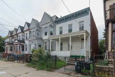 Jersey City Single Family Home For Sale: 66 Rose Ave
