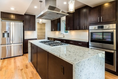 Union City Condo/Townhouse For Sale: 913 New York Ave #1