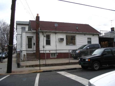 West New York Single Family Home For Sale: 5900 Jefferson St