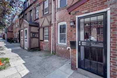 Hoboken Condo/Townhouse For Sale: 123 Willow Terrace #1