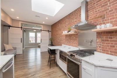 Hoboken Condo/Townhouse For Sale: 815 Willow Ave #5R
