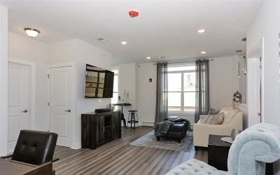 Union City Condo/Townhouse For Sale: 1901 Summit Ave #207