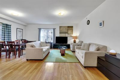 West New York Condo/Townhouse For Sale: 5501 Hudson Ave #303