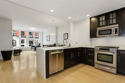 Hoboken Condo/Townhouse For Sale: 1125 Maxwell Lane #510