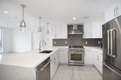 Weehawken Condo/Townhouse For Sale: 209 Hackensack Plank Rd #2A