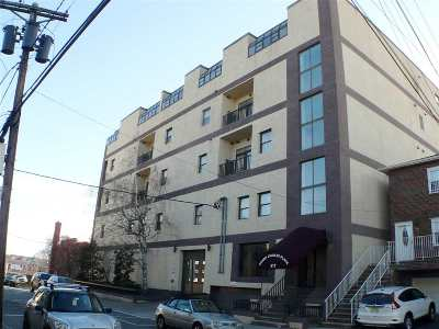 North Bergen Condo/Townhouse For Sale: 517 74th St #205