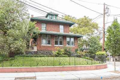 Weehawken Single Family Home For Sale: 63 Sterling Ave