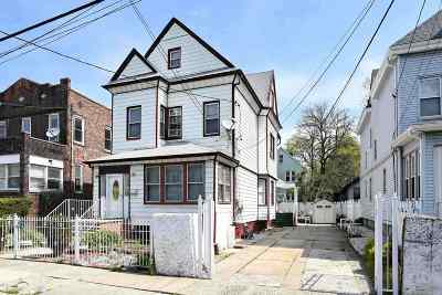 Jersey City Single Family Home For Sale: 26 Warner Ave