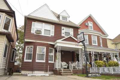 Bayonne Single Family Home For Sale: 26 East 35th St