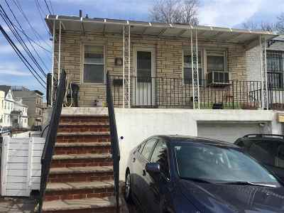 North Bergen Single Family Home For Sale: 156 Hillcrest Pl