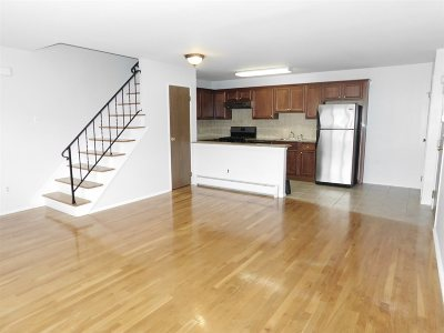 Bayonne Condo/Townhouse For Sale: 9 West 44th St #1B